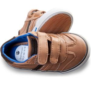 Skolappar för smart märkning av skor